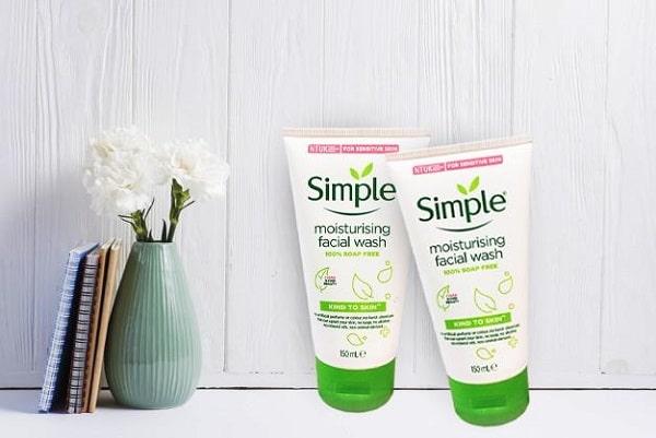 sua rua mat simple Skin To Skin Moisturising Facial Wash