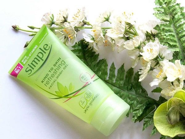sua-rua-mat-simple-kind-to-skin-refreshing-facial-wash-ge